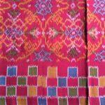 手つむぎ・手染め・手織り布
